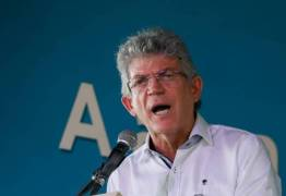 Ricardo Coutinho sanciona lei que barra 'Escola sem Partido' na Paraíba