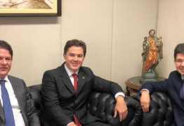 Veneziano se reúne com Cid Gomes e Randolfe Rodrigues para formação de bloco parlamentar no Senado