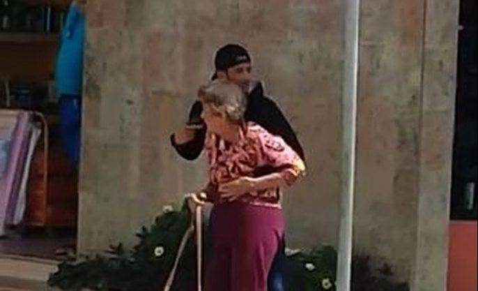 whatsapp image 2018 12 05 at 11.13.53 1  e1544021881114 - VEJA O MOMENTO: Assaltante rouba joalheria, faz idosa refém e é morto por PM na rua