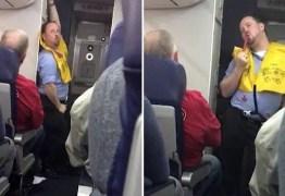 Comissário de bordo 'sexy' vira estrela de voos de companhia americana: VEJA VÍDEO
