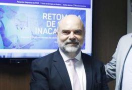 PRESIDENTE DO FNDE EXONERADO: MEC demite responsável por edital que liberava livro escolar com erro