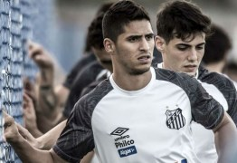 Na mira de três clubes do Brasil, Daniel Guedes decide deixar o Santos