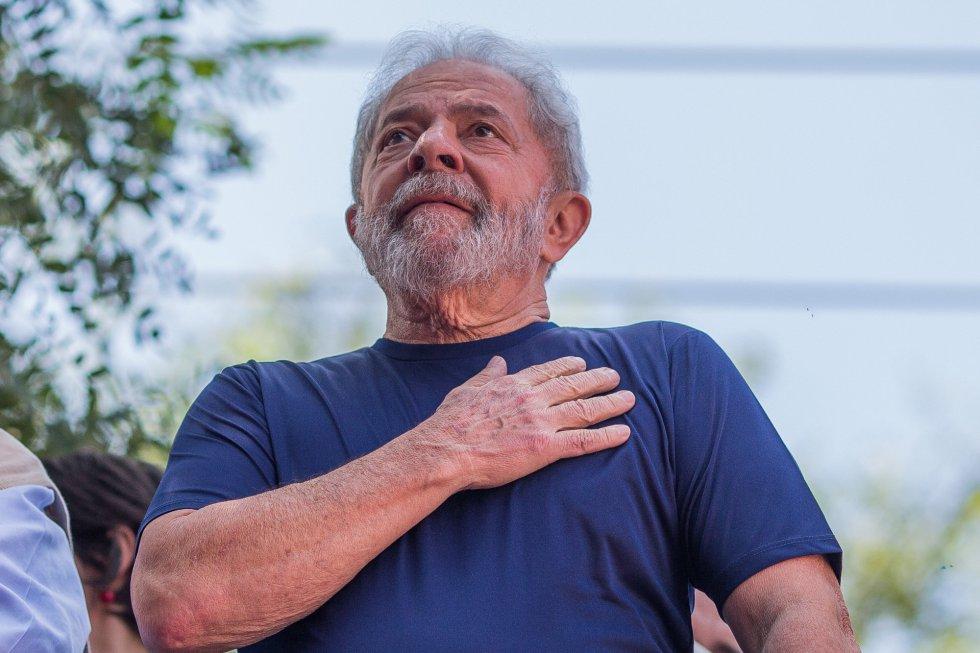 Lula - Pastor visita Lula e o compara ao apóstolo Paulo