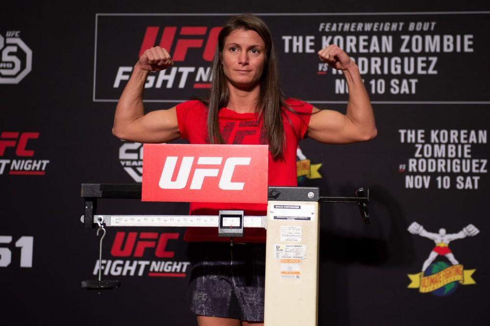 UFC marca novo confronto de lutadora brasileira que bateu em assaltante