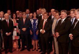 Deputados de oposição ausentes na posse de João Azevedo no governo