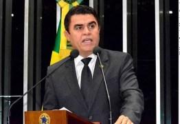 'SEM JUSTIFICATIVA': professora culpa Wilson Santiago por demissão de profissionais de escola estadual em Uiraúna