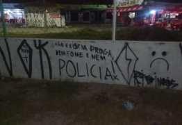 Pichação de protesto por morte acaba com apreensão de 4 em Santa Rita