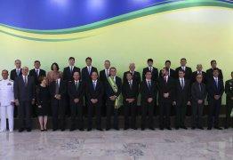 Bolsonaro faz nesta quinta-feira, primeira reunião com novos ministros