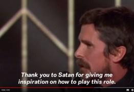 Christian Bale leva prêmio e agradece a Satan: VEJA VÍDEO