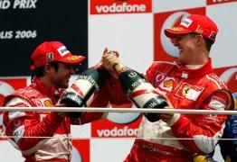 """Massa diz que Schumi é o maior piloto da história e revela dica para decisão em 2008: """"Aproveite"""""""