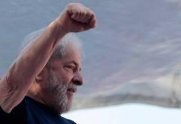 Em carta, Lula afirma que 2019 será ano de resistência e que não baixará a cabeça