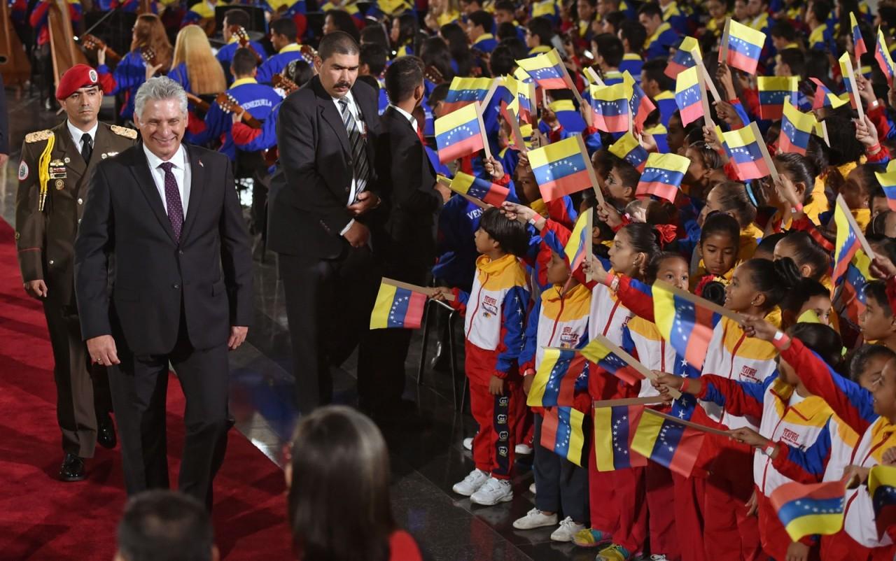posse maduro - Nicolás Maduro toma posse para segundo mandato na Venezuela