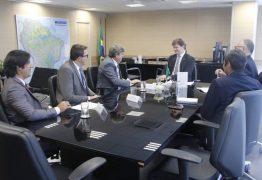 Em reunião com ministro, João Azevêdo cobra 3º Eixo da Transposição