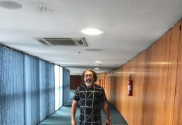 'DESRESPEITO E DESPREZO': promotor paraibano critica Kakay por usar bermuda ao entrar no STF