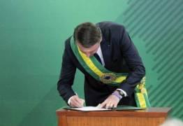 Relógio usado por Bolsonaro na posse é vendido a R$ 20 em camelôs do Rio