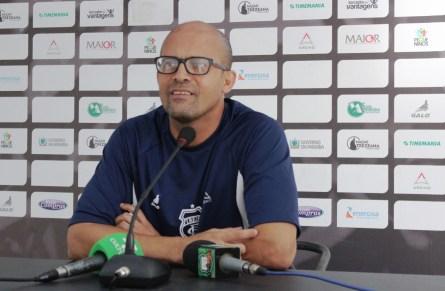 1 7 300x196 - Treze anuncia saída do gerente de futebol Gil Baiano