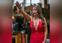 PEITOS DA DISCÓRDIA: O ambiente masculino na política chacoalhado pela presença feminina- Por Mariliz Pereira Jorge