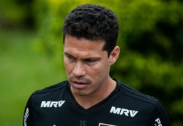 Hernanes se diz 'bem cansado' e coloca em xeque 90 minutos em campo contra o Talleres