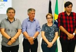 Deputados acompanham agenda de ministra da Agricultura em Cabaceiras