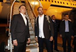 Auxiliares de Bolsonaro defendem que presidente coloque limites aos filhos