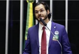 Túlio Gadelha desafia Bolsonaro a cantar corretamente o hino nacional – VEJA VÍDEO