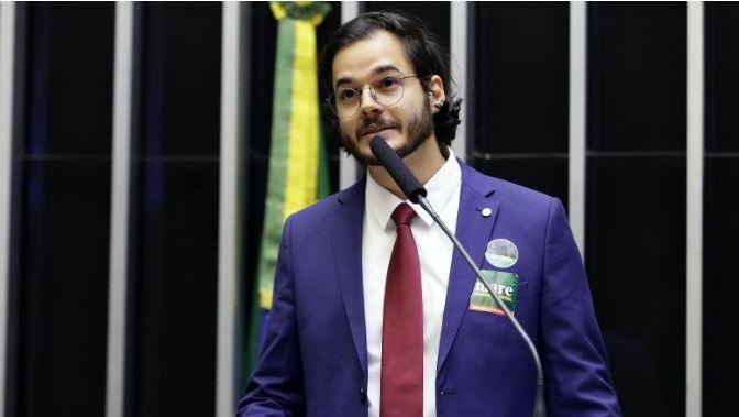 Capturar02 - Túlio Gadelha desafia Bolsonaro a cantar corretamente o hino nacional - VEJA VÍDEO