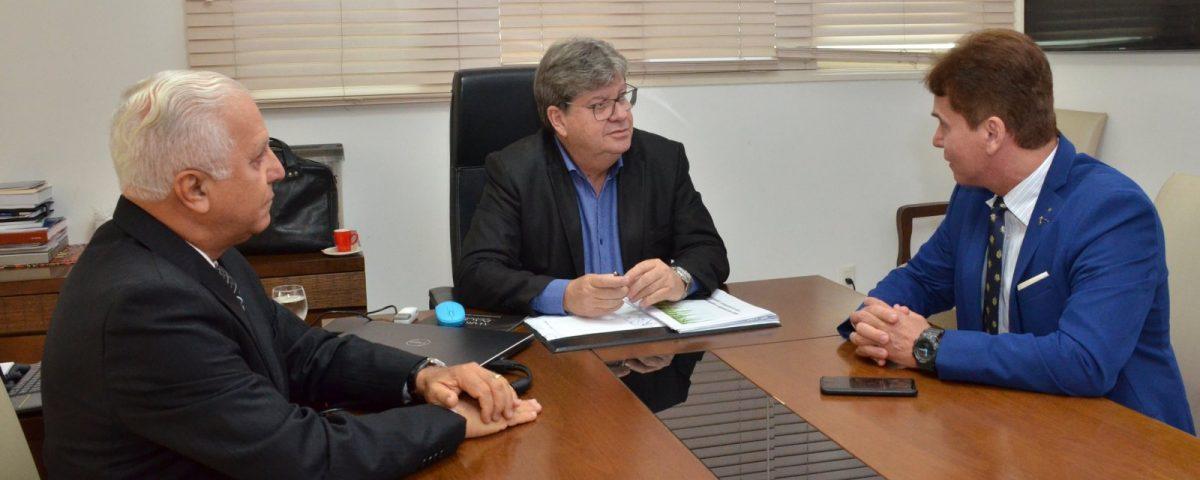 João Azevedo 1200x480 - RECURSOS PÚBLICOS: João Azevedo vai a Brasília para assinar empréstimo com Banco Mundial