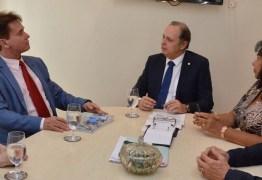 Presidente do TJ visita Defensoria Pública do Estado, fala de convênios e ouve pleitos da categoria