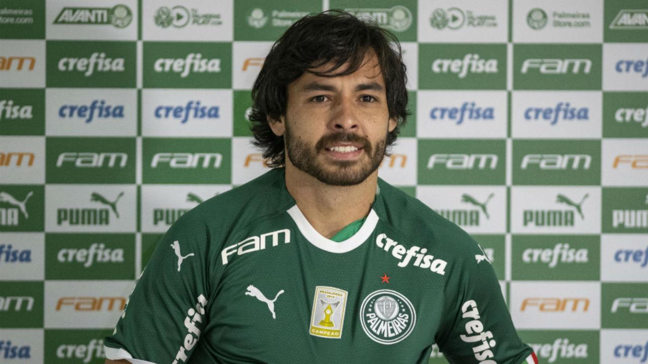 Ricardo Goulart foi apresentado no Palmeiras Fotoarena 1280 - Goulart revela procura de outros clubes e cita amizade com Mattos como fundamental para acerto