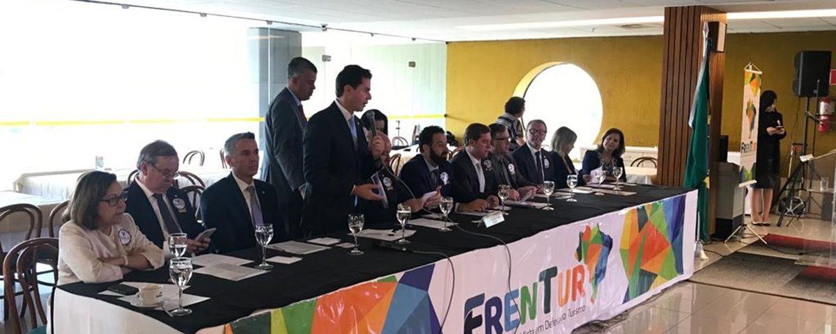 Veneziano2 1200x480 - Veneziano é escolhido vice-presidente da Frente Parlamentar Mista em Defesa do Turismo