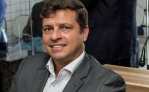 WhatsApp Image 2019 02 26 at 21.20.06 300x185 - CANDIDATURA AMEAÇADA: Vitor Hugo perde prazo para substituição de vice e pode ter sua chapa indeferida - OUÇA