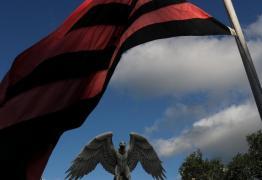 Após incêndio, Flamengo terá luto em uniforme até o final de 2019
