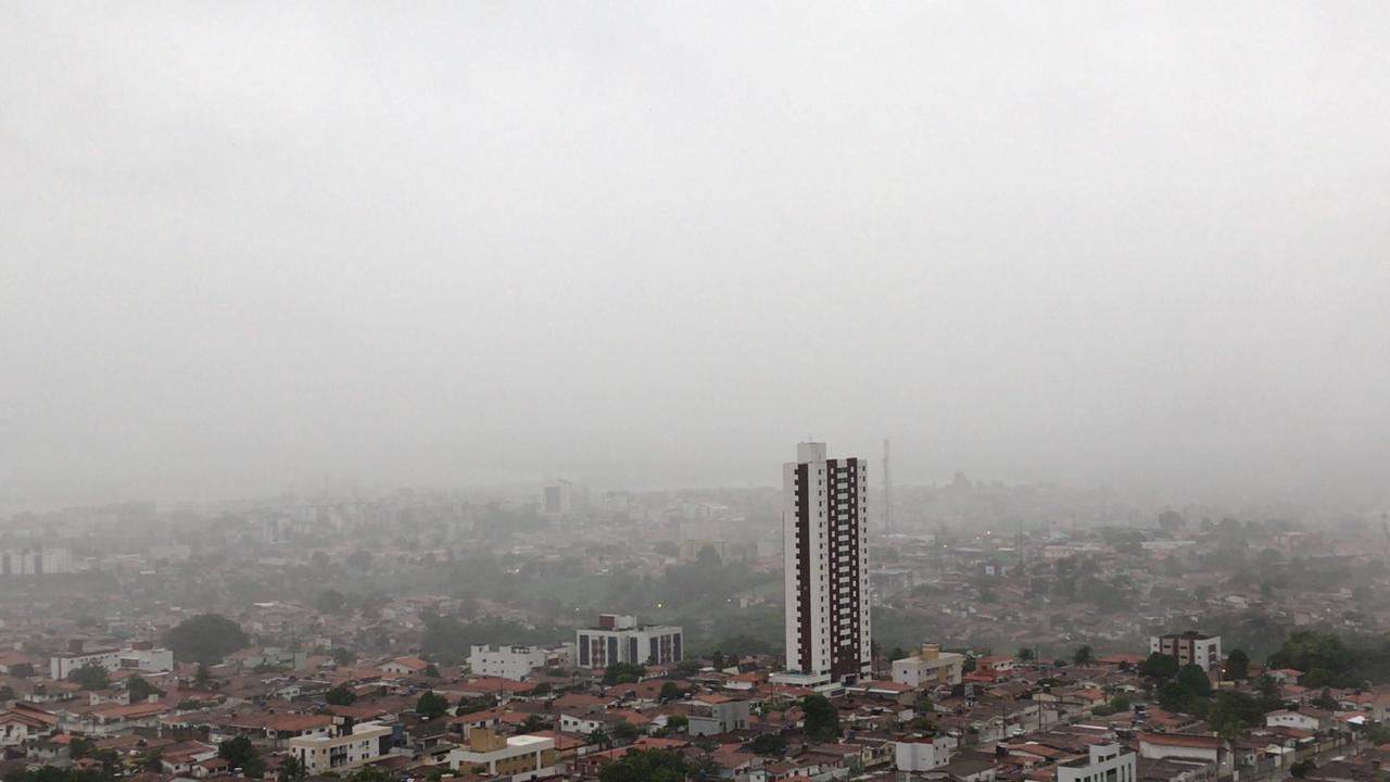 cabedelo bessa - Fortes chuvas, relâmpagos e trovoadas são registrados na manhã desta quarta-feira na Paraíba; Veja a previsão