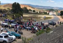 Em protestos, venezuelanos exigem abertura das fronteiras com Brasil e Colômbia