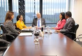 Lígia discute com ministro parceria de programas de prevenção às drogas, assistência social e segurança alimentar