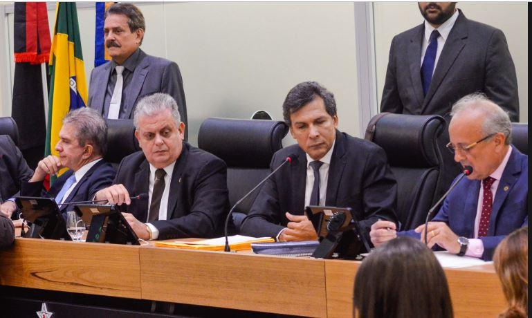 ds - CRUZ VERMELHA: líder do Governo admite que situação não cedeu espaço temporal da CPI para oposição