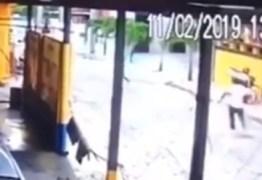 UM FERIDO E UM MORTO: delegado troca tiros com assaltantes em João Pessoa – VEJA VÍDEO