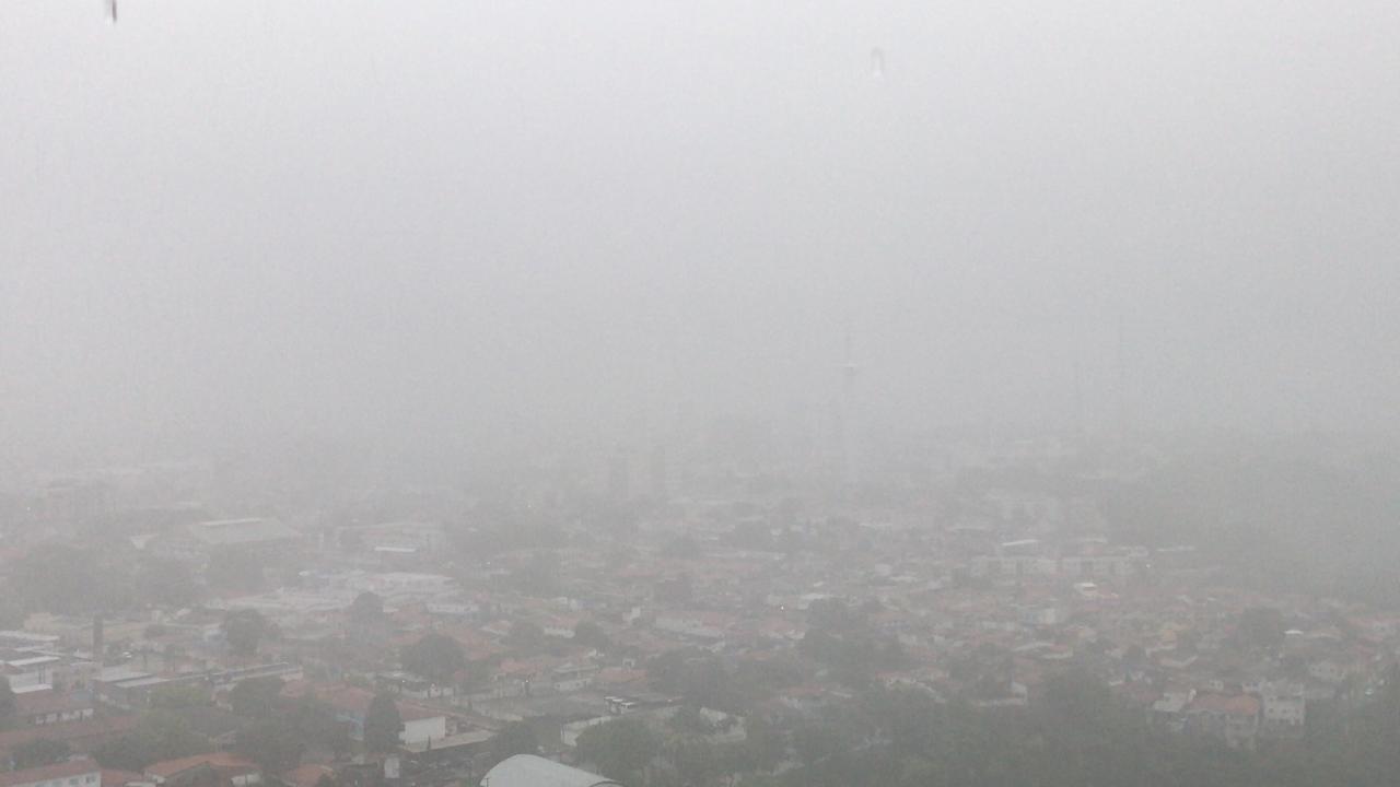 lagoa centro - Fortes chuvas, relâmpagos e trovoadas são registrados na manhã desta quarta-feira na Paraíba; Veja a previsão