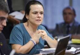 Janaina Paschoal defende Bebianno e critica demora de Bolsonaro