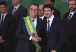 Ministro do Turismo de Bolsonaro é exonerado do cargo
