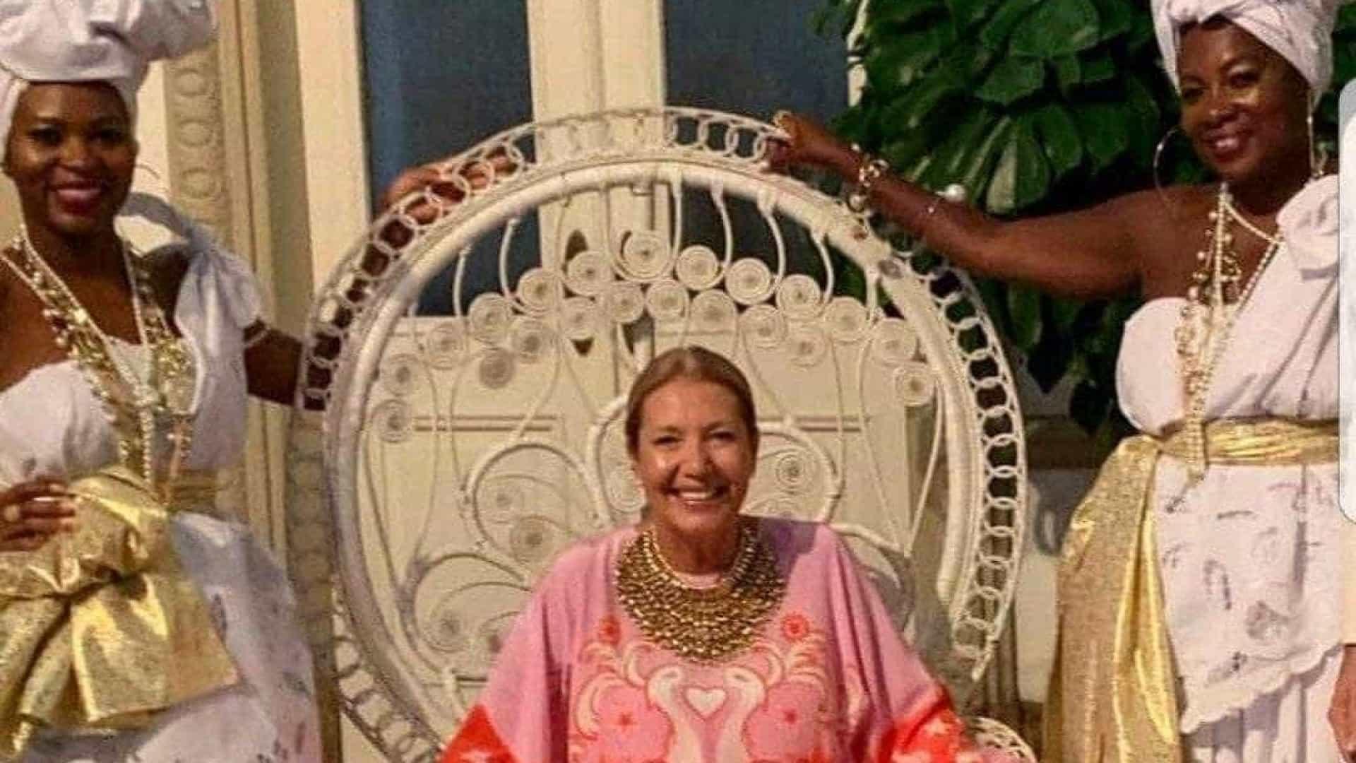 Donata Meirelles pede demissão da revista Vogue Brasil - Polêmica ... 30e08e6c33