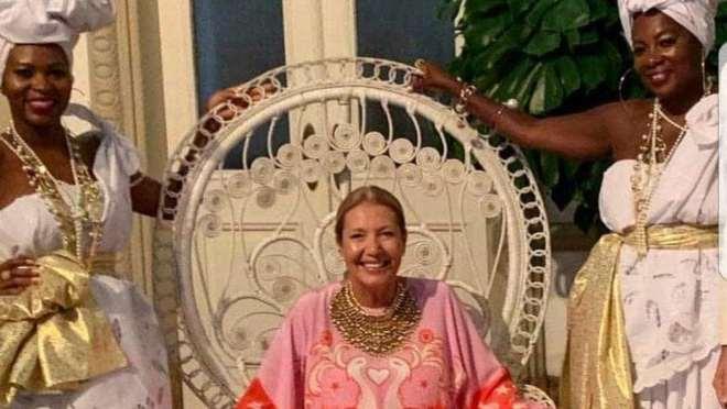 naom 5c64aa89b879f 300x169 - Donata Meirelles pede demissão da revista Vogue Brasil