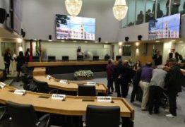 REBELDIA DA BASE? deputados de oposição e situação se juntam para derrubar veto do Governo