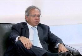 Governo estuda sistema alternativo de carteira de trabalho, diz Guedes