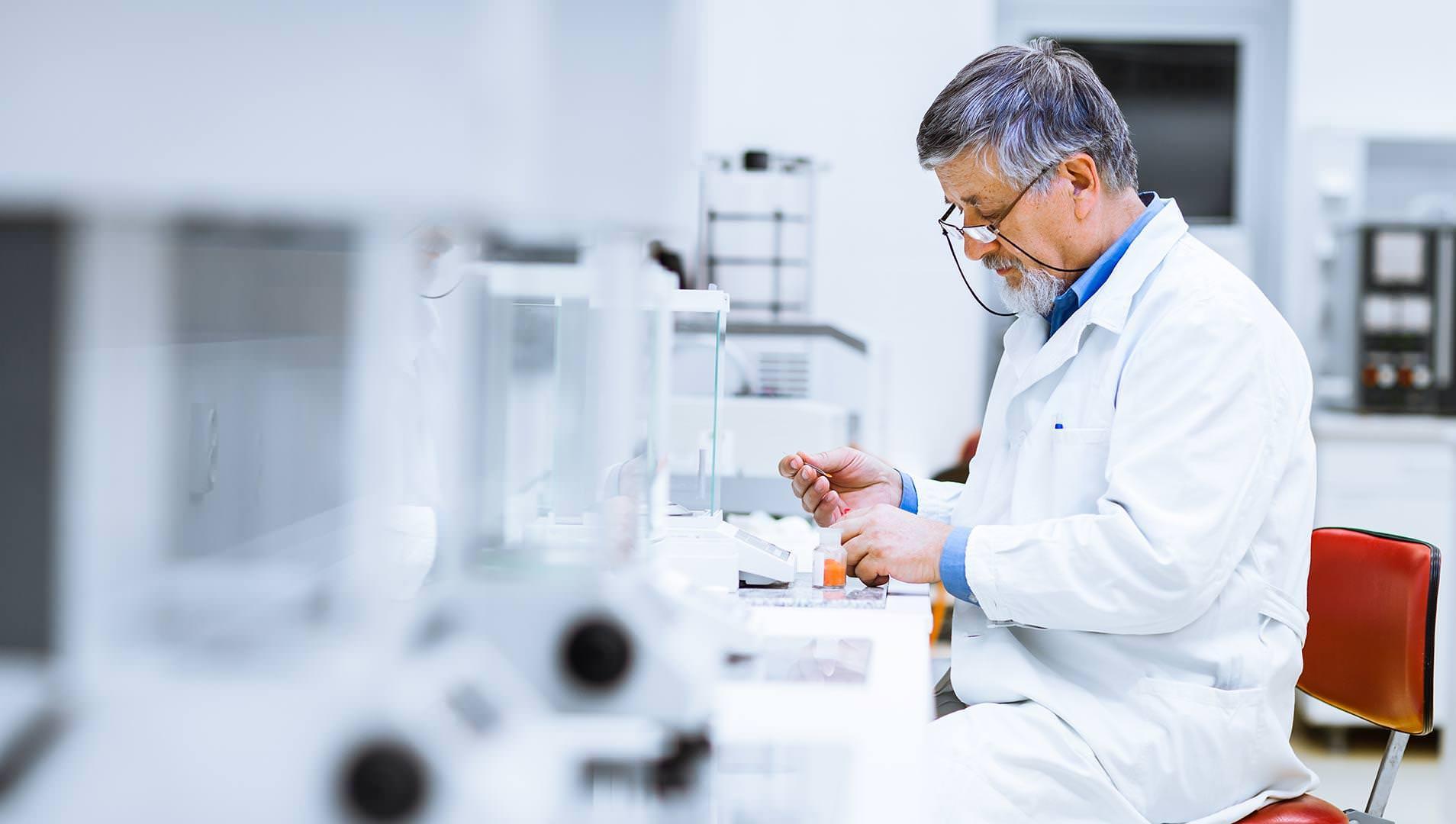 scientificresearch 29824805 cropped - Bolsas para pesquisas científicas não terão verbas em 2019