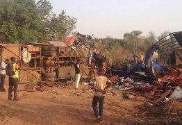 TRAGÉDIA: Colisão entre dois ônibus deixa 60 mortos