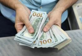 Dólar tem maior queda porcentual em 15 dias com expectativa de avanço da reforma