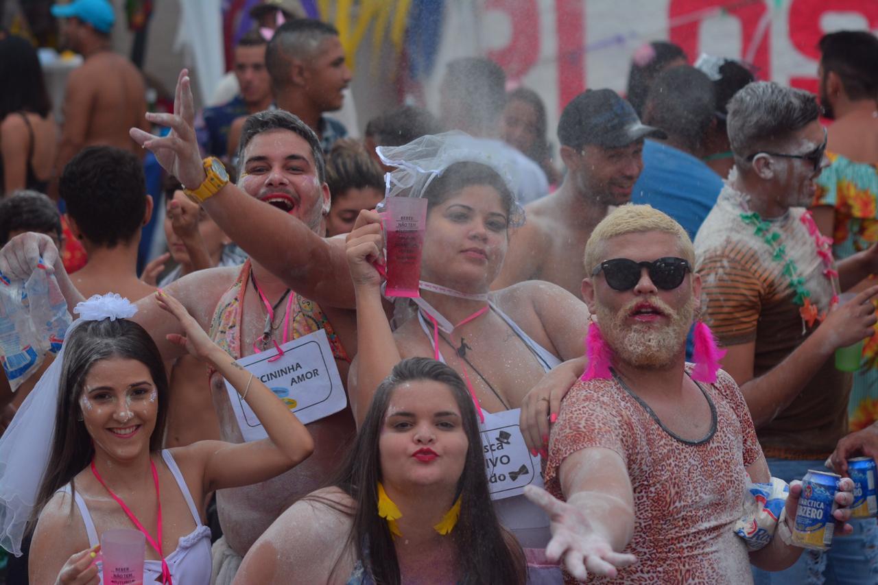 Blocos Carnaval Jacumã Domingo Fotos Thercles Silva 1 - Ao som das Orquestras de frevo, blocos arrastam grande público no Corredor da Folia em Jacumã
