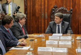 Em Brasília, João se reúne com ministro da Infraestrutura e garante dragagem do porto e VLT para CG