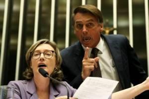 Maria e Bolso 300x200 - MARIA DO ROSÁRIO PARA BOLSONARO: 'Não quero ser a agredida, mas a mulher que o derrotou'
